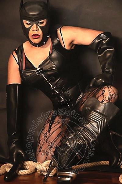 Mistress Trav Chiasso Lola Batalhao